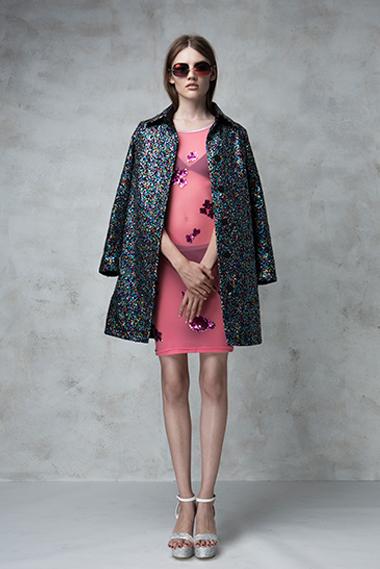 Election coat, Agressive dress, Future glasses